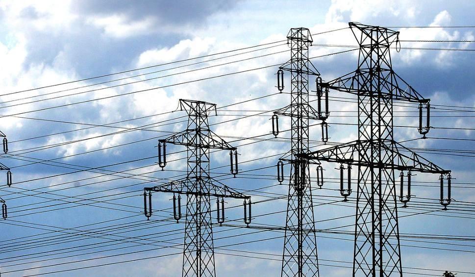Film do artykułu: 1700 odbiorców bez prądu. Wichura w regionie łódzkim