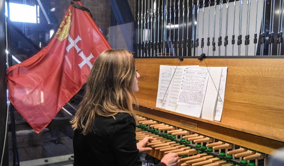 Film do artykułu: Epitafium na carillon pamięci prezydenta Gdańska, skomponowane przez zielonogórzankę Katarzynę Kwiecień-Długosz, zabrzmiało na 50 dzwonach