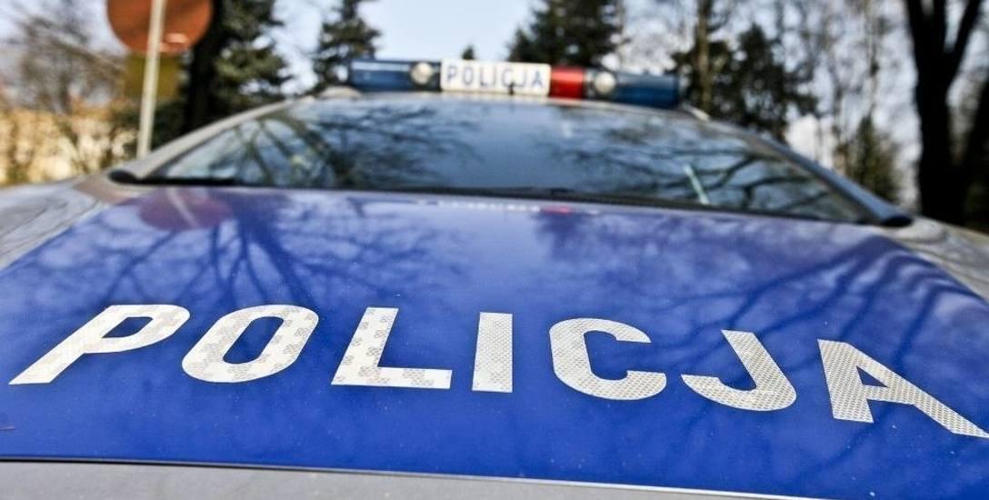 Łódź. Policjanci zatrzymywali sprawcę wypadku, w którym dwie osoby zostały ranne