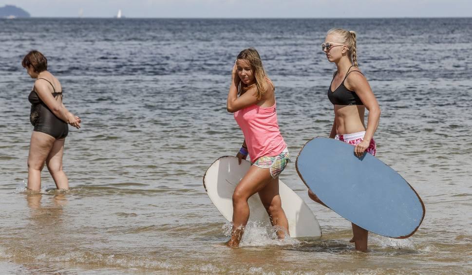 Film do artykułu: Bon turystyczny 500 plus dopiero w sierpniu? Kto dostanie 500 zł na wakacje? Kiedy złożyć wniosek?