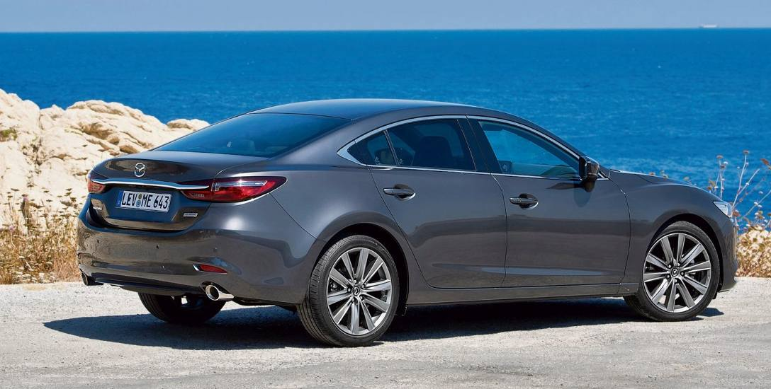 Mazda 6 A.D. 2018. Trzecia generacja+ zmiany na zewnątrz i w kabinie. Nowe, bogatsze wyposażenie