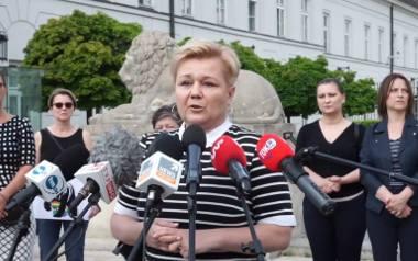 Czara goryczy się przelała. Matki osób LGBT przed Pałacem Prezydenckim, wśród nich mieszkanka Błaszek [ZDJĘCIA]