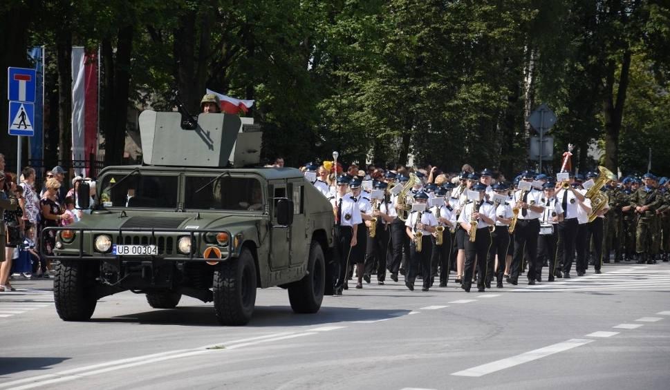 Film do artykułu: Święto Wojska Polskiego w Kielcach z kilkoma setkami widzów