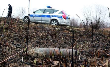 Stare pociski nie wybuchły w ogniu i pod kołami auta [ZDJĘCIA]
