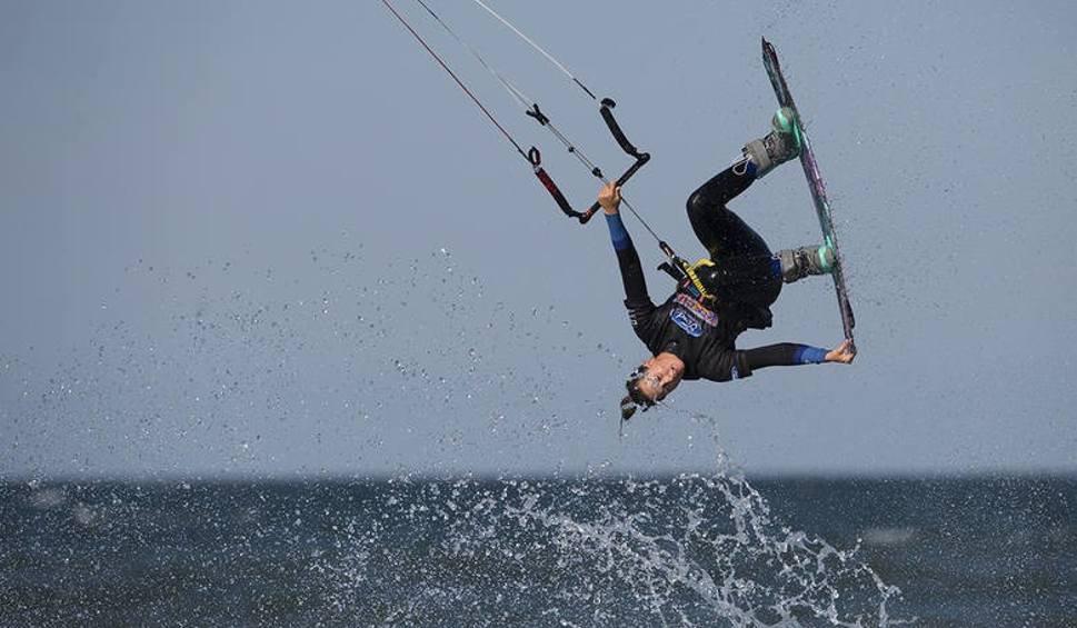 Film do artykułu: Kitesurfing w Krynicy Morskiej. Nowe miejsce, nowe emocje