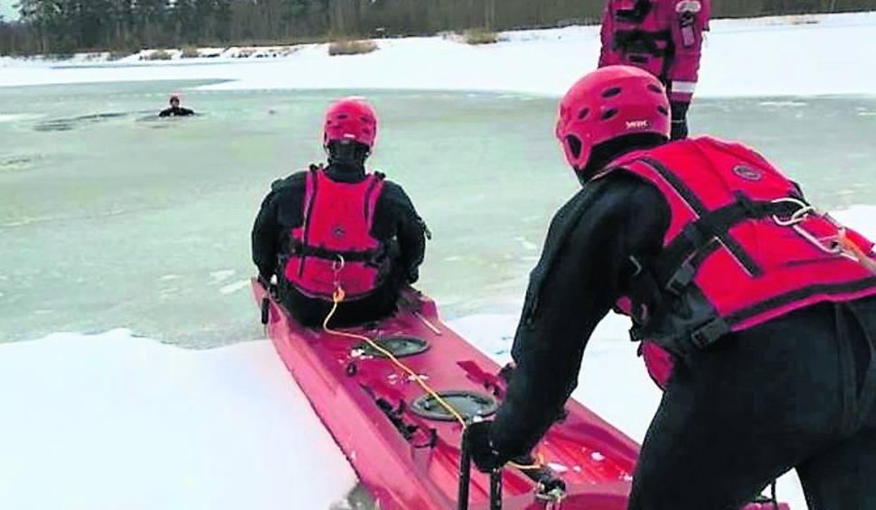 Film do artykułu: Gorzyce. Strażacy szkolili się na zalewie, by skutecznie móc ratować