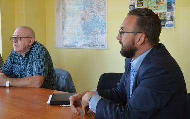 - Robimy co możemy, by zapewnić powiatowi bezawaryjne zasilanie - mówił starosta J. Dudojć