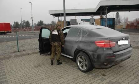 BMW X6 zatrzymane przez pograniczników (zdjęcia)