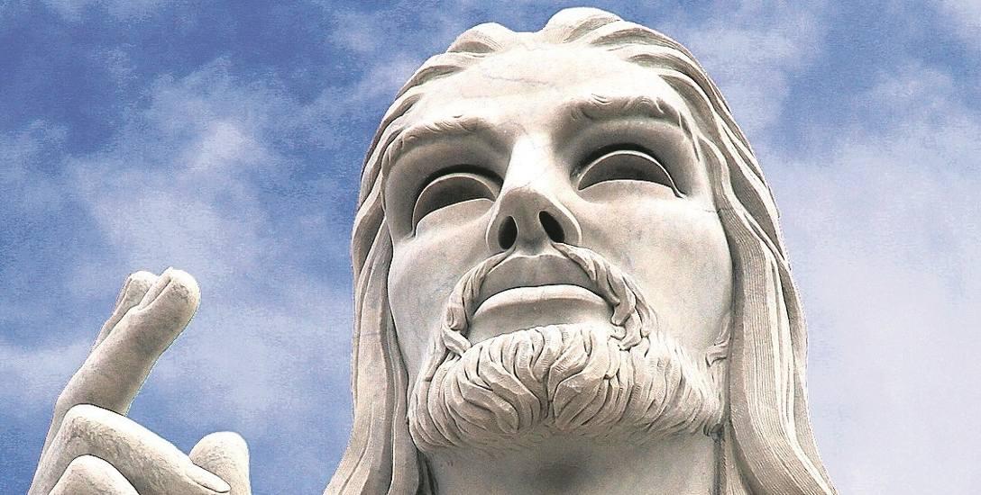 Pomnik Jezusa Chrystusa stoi na wzgórzu niedaleko portu w Hawanie. Został postawiony w 1953 roku