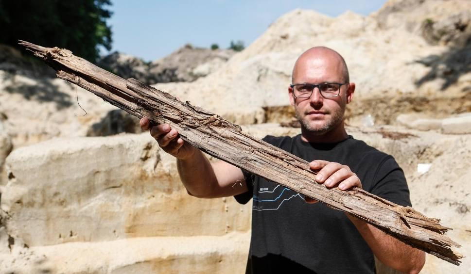 Film do artykułu: Archeolodzy znaleźli pozostałości po obozie NKWD w Żabnie w gminie Radomyśl nad Sanem [WIDEO]