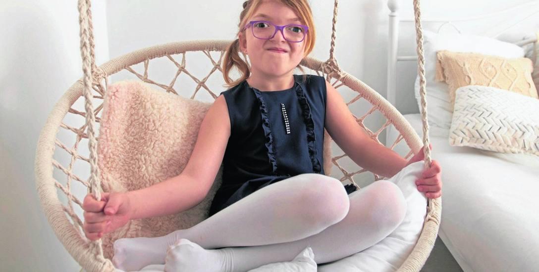 Ania Nowak ma 9 lat, ale pod opieką lekarzy znajduje się od czwartego miesiąca życia