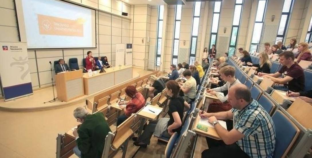 W ubiegłym roku w Dyktandzie Uniwersyteckim wzięło udział około 200 osób. Zadanie nie było łatwe