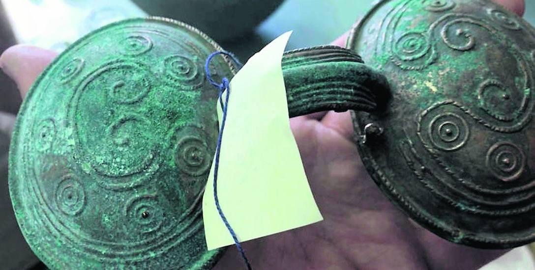 Skarb z epoki brązu wykopano w okolicy Miastka w ubiegłym roku