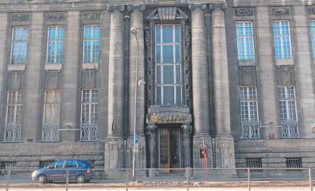 W miejscu, gdzie stał pałac fabrykanta wybudowano gmach banku