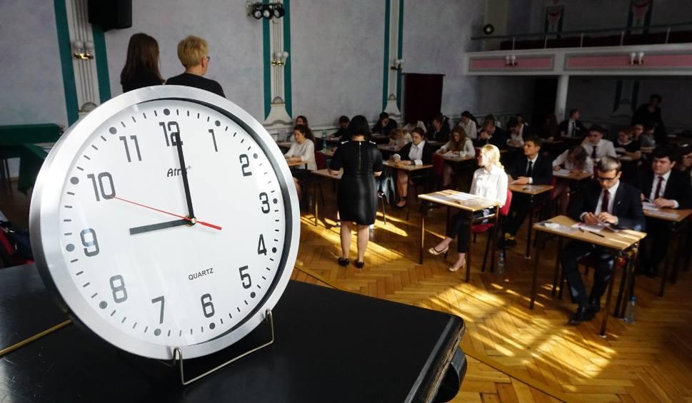Film do artykułu: Matura 2018 polski: Jak poszedł maturzystom język ojczysty? Sprawdź odpowiedzi!
