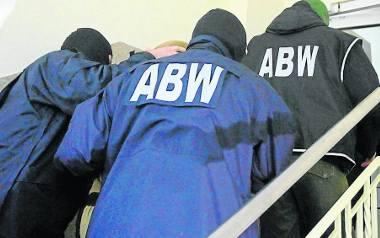W poniedziałek agenci ABW zatrzymali wysokich rangą funkcjonariuszy rzeszowskich CBŚP i CBA.