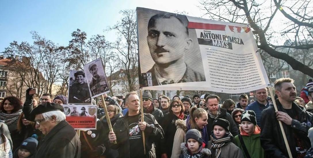 """Piotr Niwiński: - Jesteśmy na początku drogi. Nie należy sugerować się obecnym nagromadzeniem """"uroczystości ku czci"""", które skumulowane w jednym czasie,"""