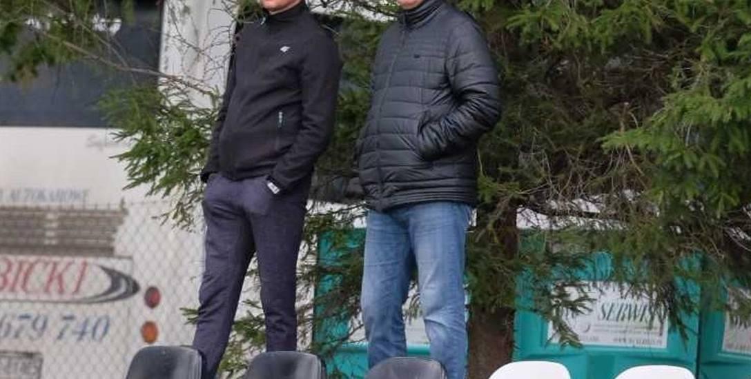 6 października. Grzegorz Nalepa i Bohdan Bławacki obserwują mecz JKS-u Jarosław ze Spartakusem Daleszyce. 11 dni później Ukrainiec został zwolniony.