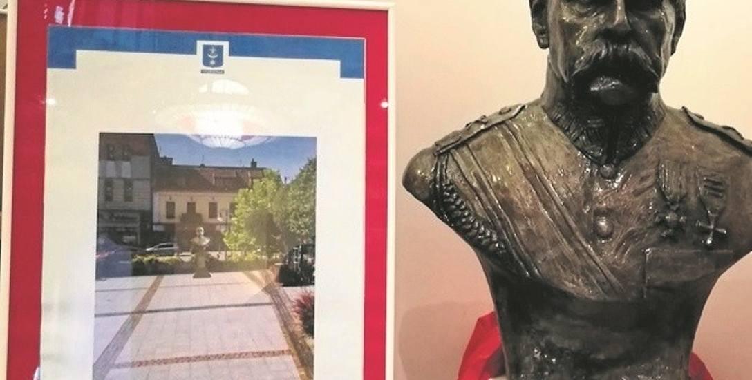 Popiersie Józefa Piłsudskiego 11 listopada zostanie odsłonięte na rynku w Trzebini. Teraz jest w Dworze Zieleniewskich