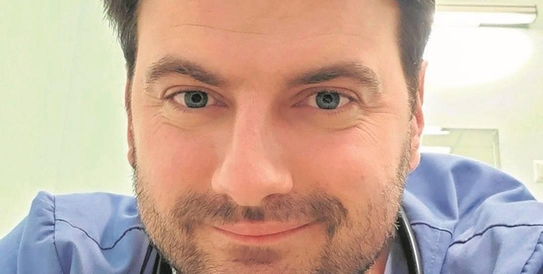 Mieszko Orawiec pochodzi z góralskiej rodziny Orawców, urodził się w Wirginii, dorastał w Chicago, a mieszka w Krakowie