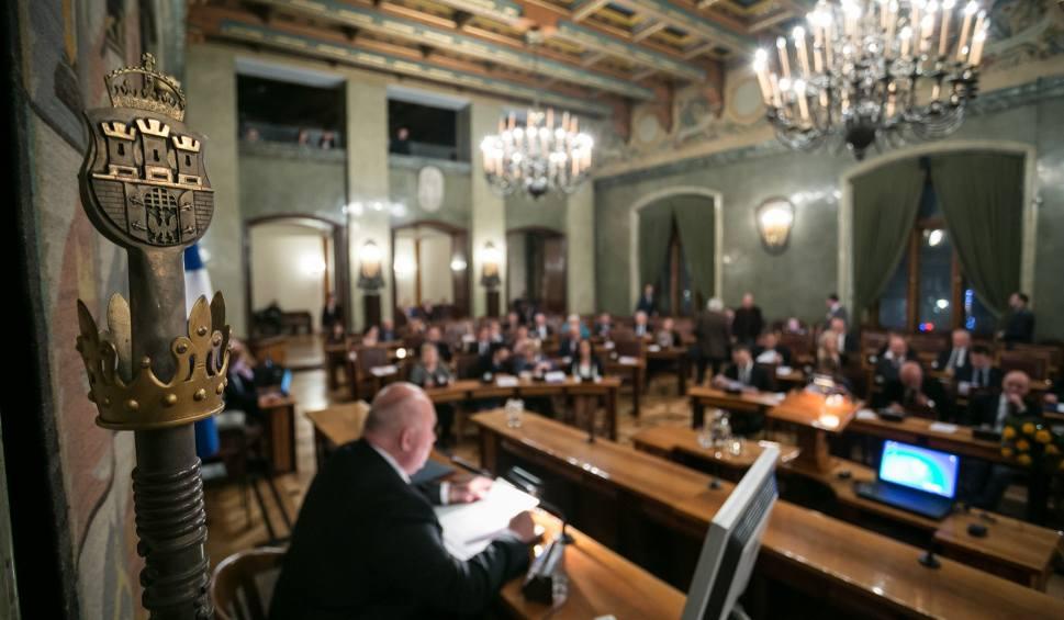 Film do artykułu: Krakowska gra o tron(y). Walka o fotel przewodniczącego rady miasta i dwóch wiceprezydntów