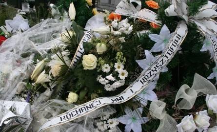 W wypadku zginęło młode małżeństwo. Osierocili dwójkę dzieci. Poznaj wstrząsające okoliczności rodzinnej tragedii (zdjęcia)