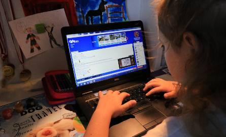 Dzieci toną w internetowej sieci