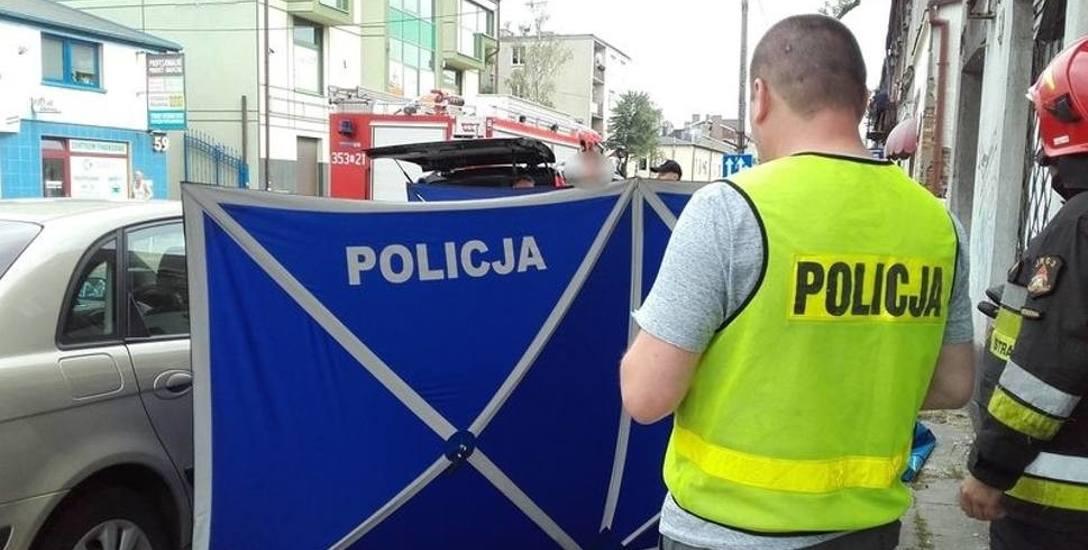 Morderstwo w Częstochowie: Szaleniec w biały dzień w centrum miasta zabił przechodnia. Osiem razy dźgnął go nożem