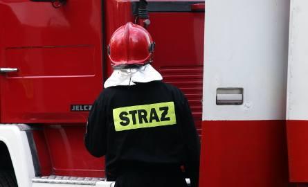 Śmiertelny pożar w Faliszewie koło Radomska. Jedna osoba nie żyje