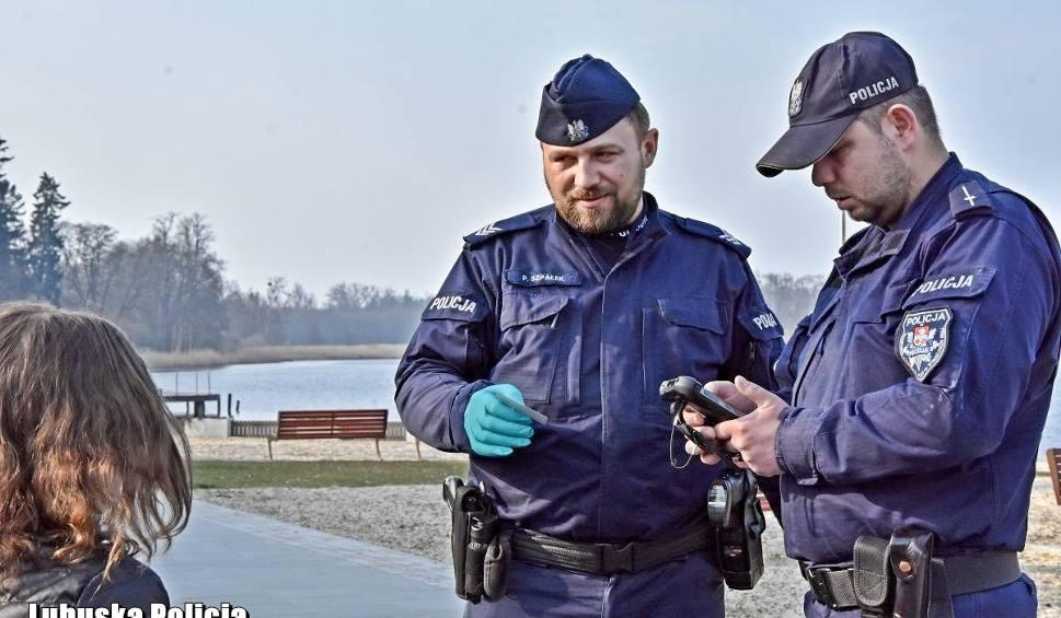 Film do artykułu: 344 osoby złamały kwarantannę w Lubuskiem. Ich zachowanie przeraża