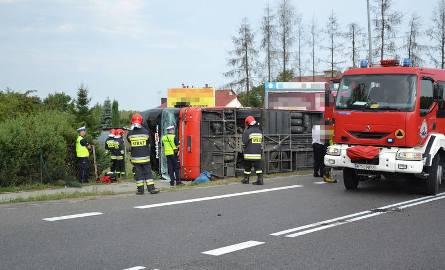Wypadek w Nowej Dębie. Kierowca jadąc rozkładał fotel...