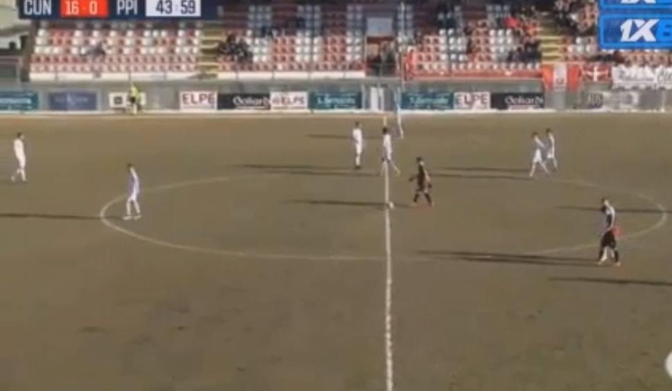 Film do artykułu: Szalony mecz we Włoszech. Klub Serie C wystawił siedmiu zawodników i do przerwy przegrywał 0:16