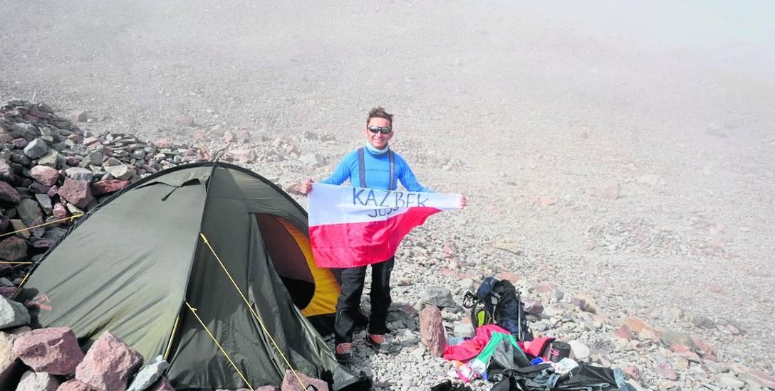 Latem we dwoje w siedem dni zdobyli Kazbek, jedną z najwyższych gór Kaukazu