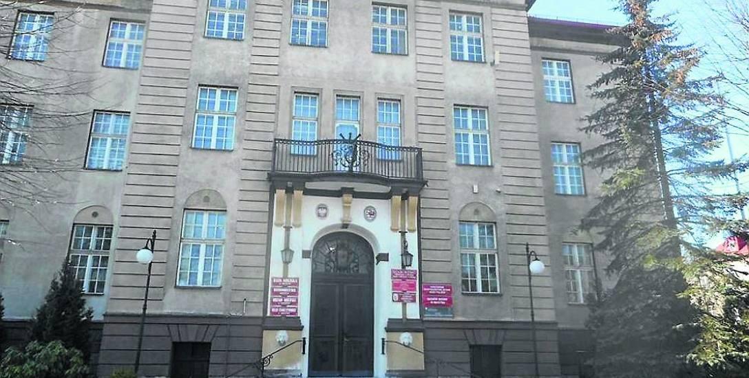 W lutym 1954 roku spalił się budynek Prezydium Powiatowej Rady Narodowej. Przyczyną był brak przestrzegania przepisów BHP