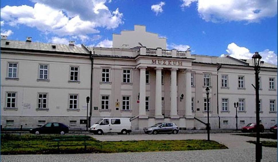 Film do artykułu: Radom. Muzeum imienia Malczewskiego zaprasza na oprowadzanie kuratorskie po wystawie