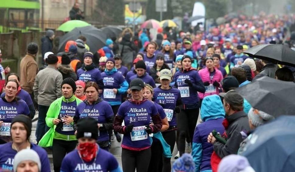 Film do artykułu: Dziś bieg dla kobiet. Kierowcy uważajcie na zmiany w organizacji ruchu