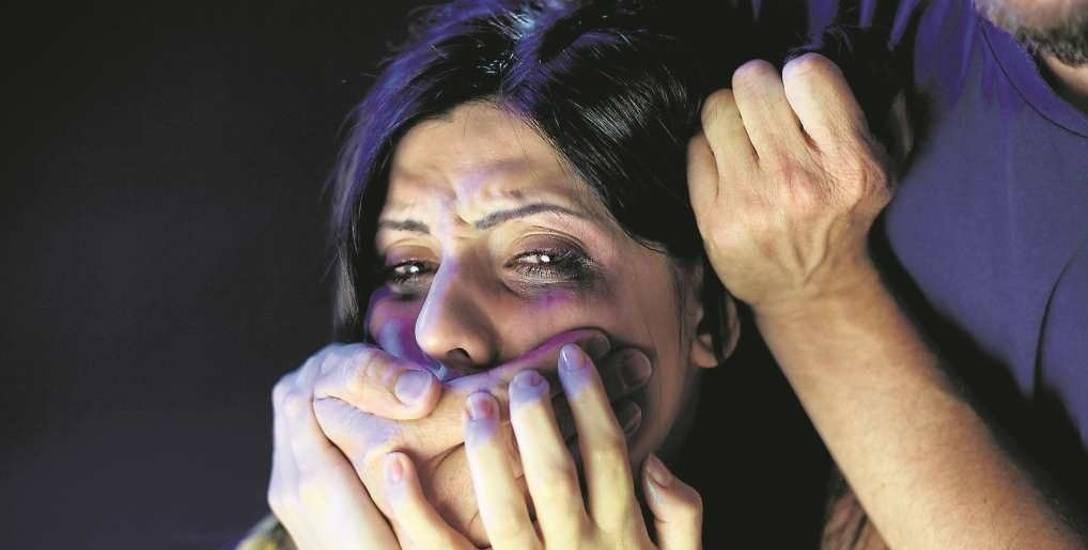 Stomatolog  odpowiada przed sądem za zgwałcenie dwóch kobiet. Jest na wolności, może leczyć...