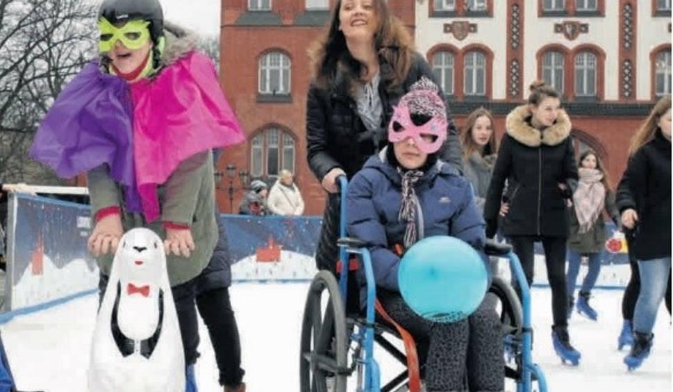 Film do artykułu: Lodowisko w Słupsku także dla niepełnosprawnych