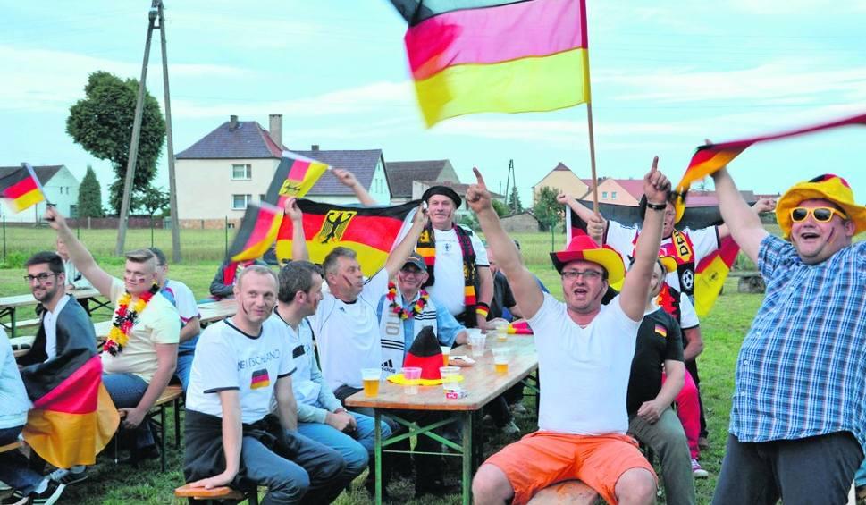400bcd0db Kibice reprezentacji Niemiec prezentowali się znakomicie i dopingowali z  wielkim zapałem. Tylko po meczu trochę