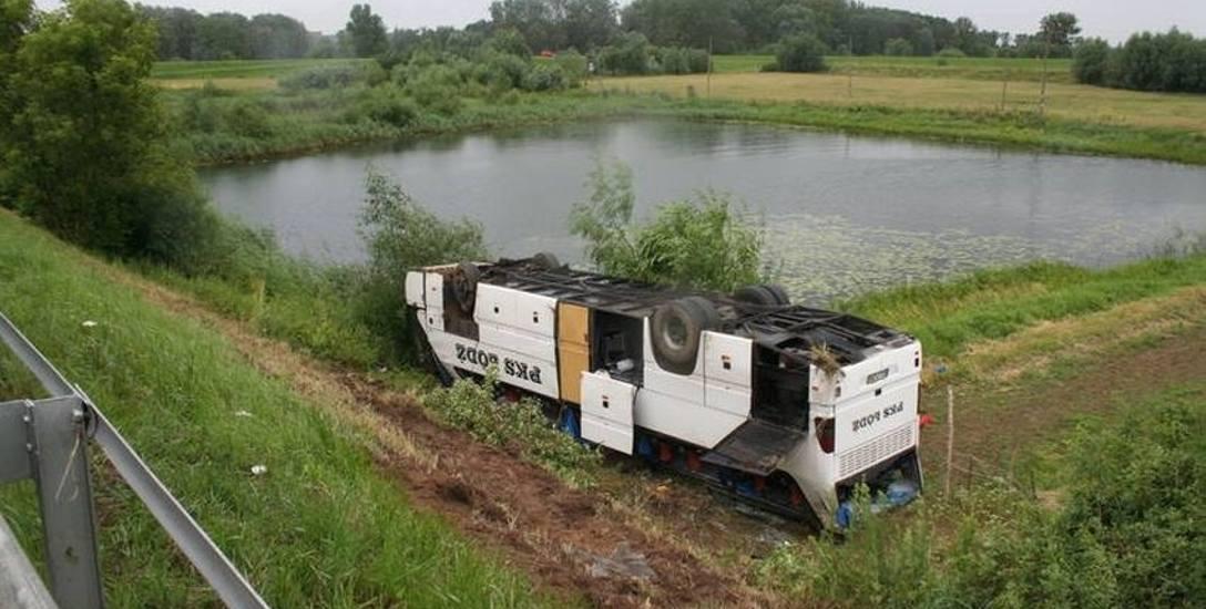 Autobus PKS  dachował
