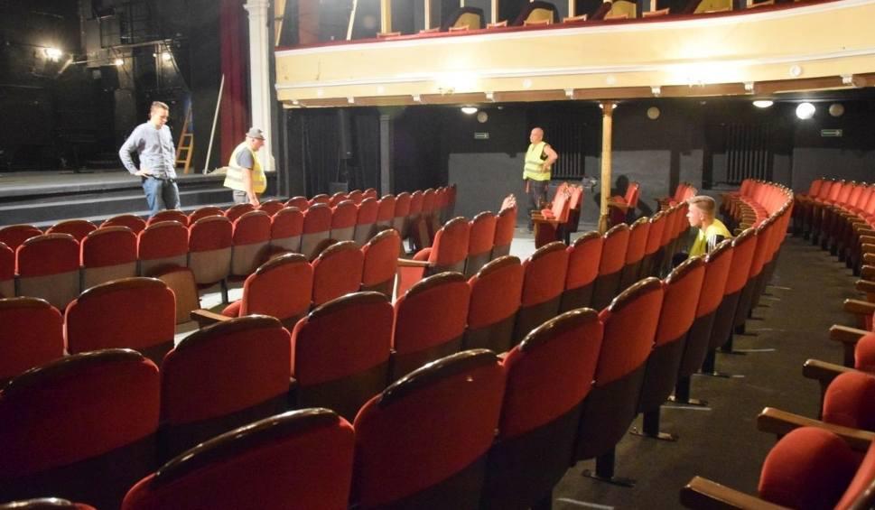 Film do artykułu: Przeprowadzka teatru Żeromskiego rozpoczęta. Trwa demontaż widowni [ZDJĘCIA, WIDEO]
