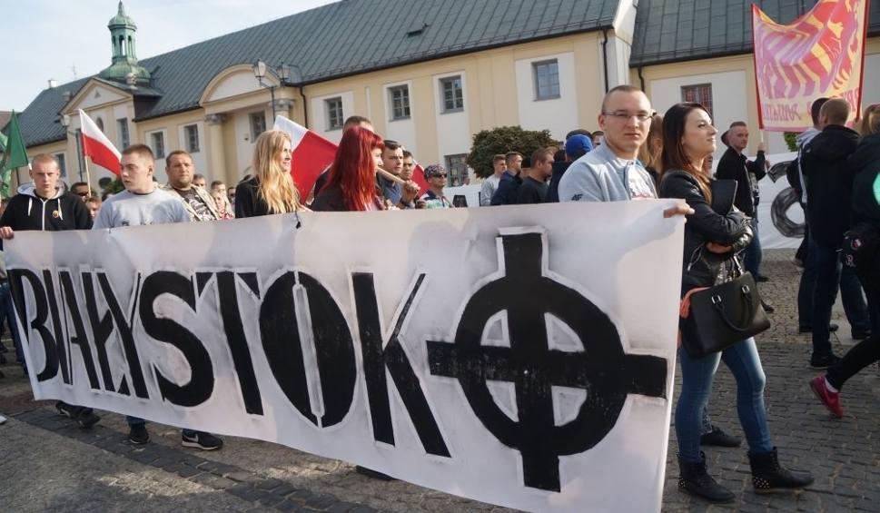 Film do artykułu: Marsz Podlasie bez imigrantów. Setki ludzi manifestowało (zdjęcia, wideo)
