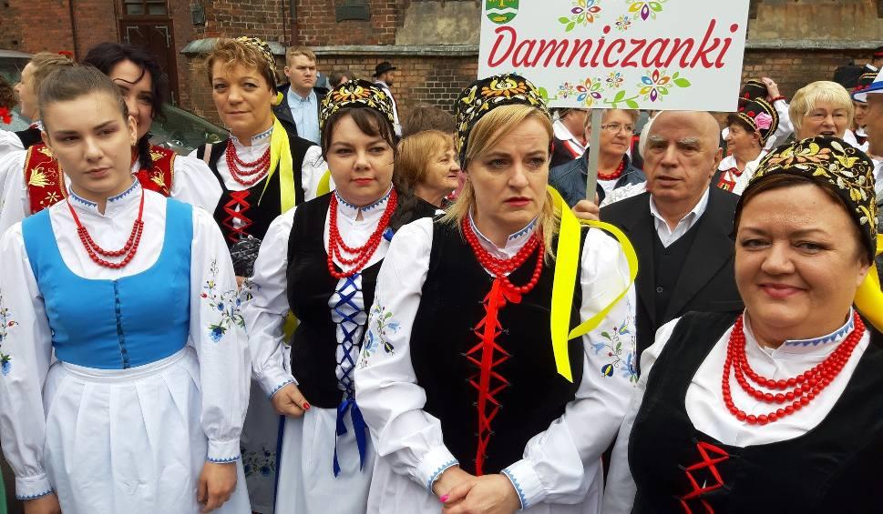 """Film do artykułu:  III Festiwal Zespołów Folklorystycznych """"Ziemia Słupska 2019"""" (wideo, zdjęcia)"""