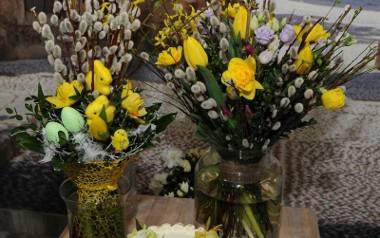 Dekoracje kwiatowe na deserach - tortach, ciastach, babeczkach