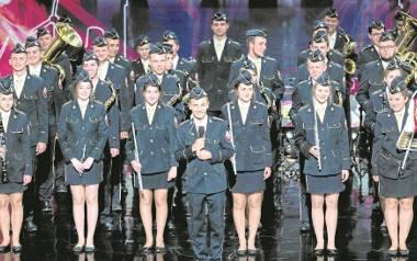 """Podczas występu w """"Mam Talent"""" orkiestra  z Baczkowa dała prawdziwy popis muzyczny i taneczny"""