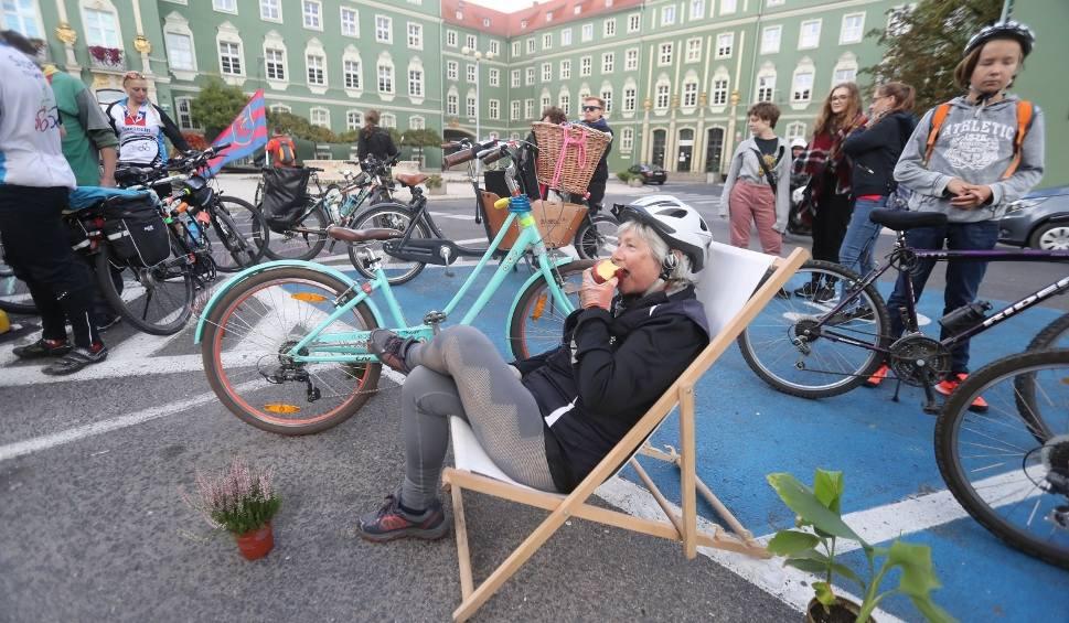 Film do artykułu: Europejski Dzień bez Samochodu: Skromna maska krytyczna i sympatyczny piknik [zdjęcia, wideo]