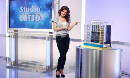 Losowanie Lotto 22.08.2017 - WYNIKI LOSOWANIA. Losowanie na żywo o godzinie 21.40 w TVP Info. Wyniki Lotto również online na naszej stronie internetowej.