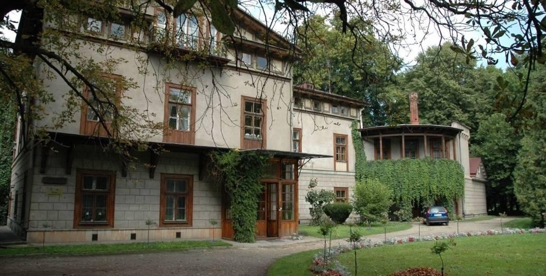 Pismo kancelarii prawnej informujące o roszczeniach spadkobierców pałacu w Przeworsku było zaskoczeniem.