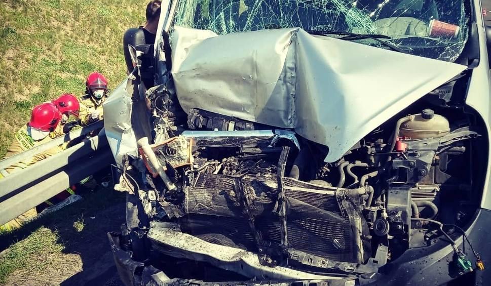 Film do artykułu: Uwaga! Poważny wypadek na S3. 6 osób rannych