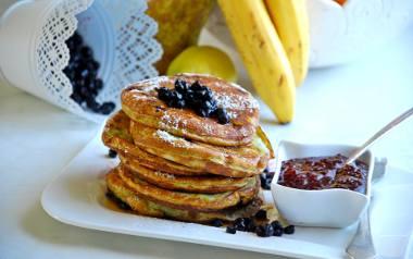 Borówkowe pancakes z kaszy manny.